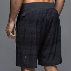 Lululemon Core Short Striped Textured Black Gray